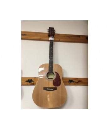 4/4 acoustic guitar SP1...