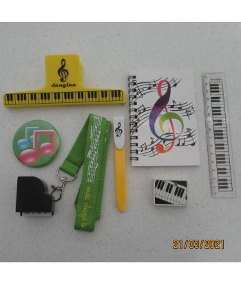 Aileen Stationary Set DL8127A